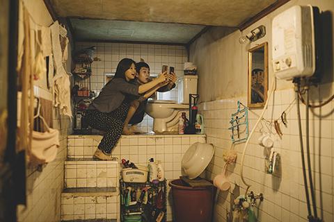 パラサイト 半地下の家族 03
