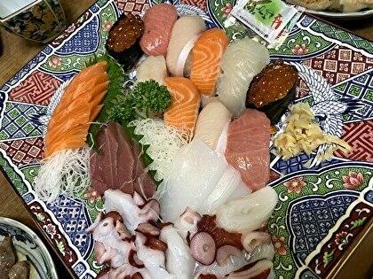 お寿司とお刺身盛り