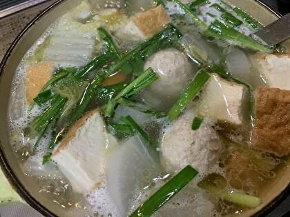 鶏肉団子と野菜のお味噌汁