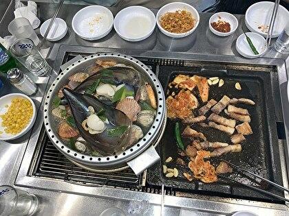 お肉を食べ終わる頃お鍋が出来る。