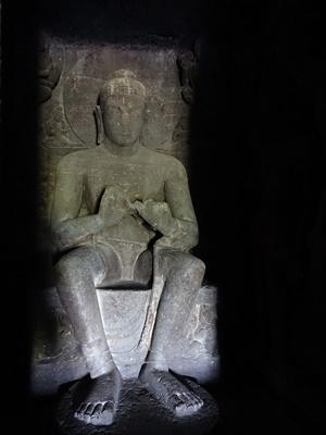 エローラ石窟寺院の仏像2005