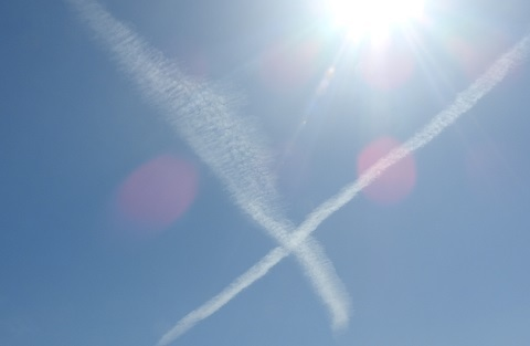 200221 太陽と十字の雲