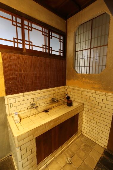 旧川本家住宅・手洗い