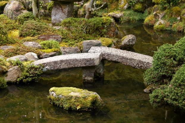 當麻寺西南院庭園・石橋