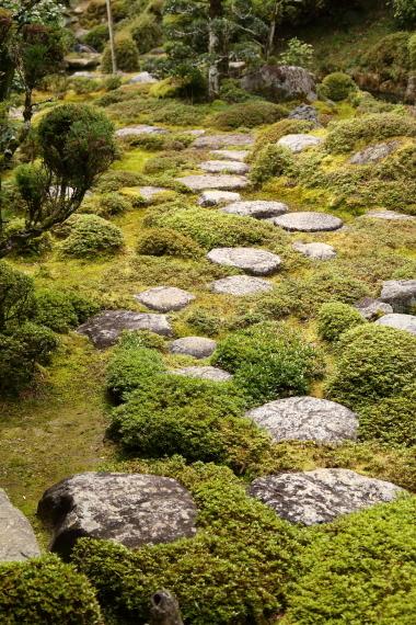 當麻寺西南院庭園・飛石