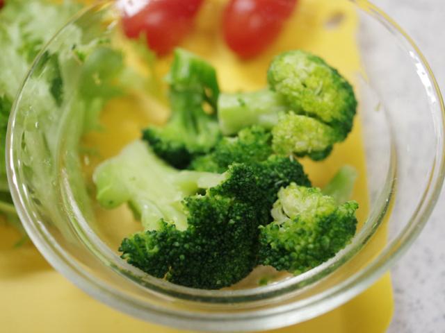 野菜も一緒に簡単が肉入りポテトサラダ03