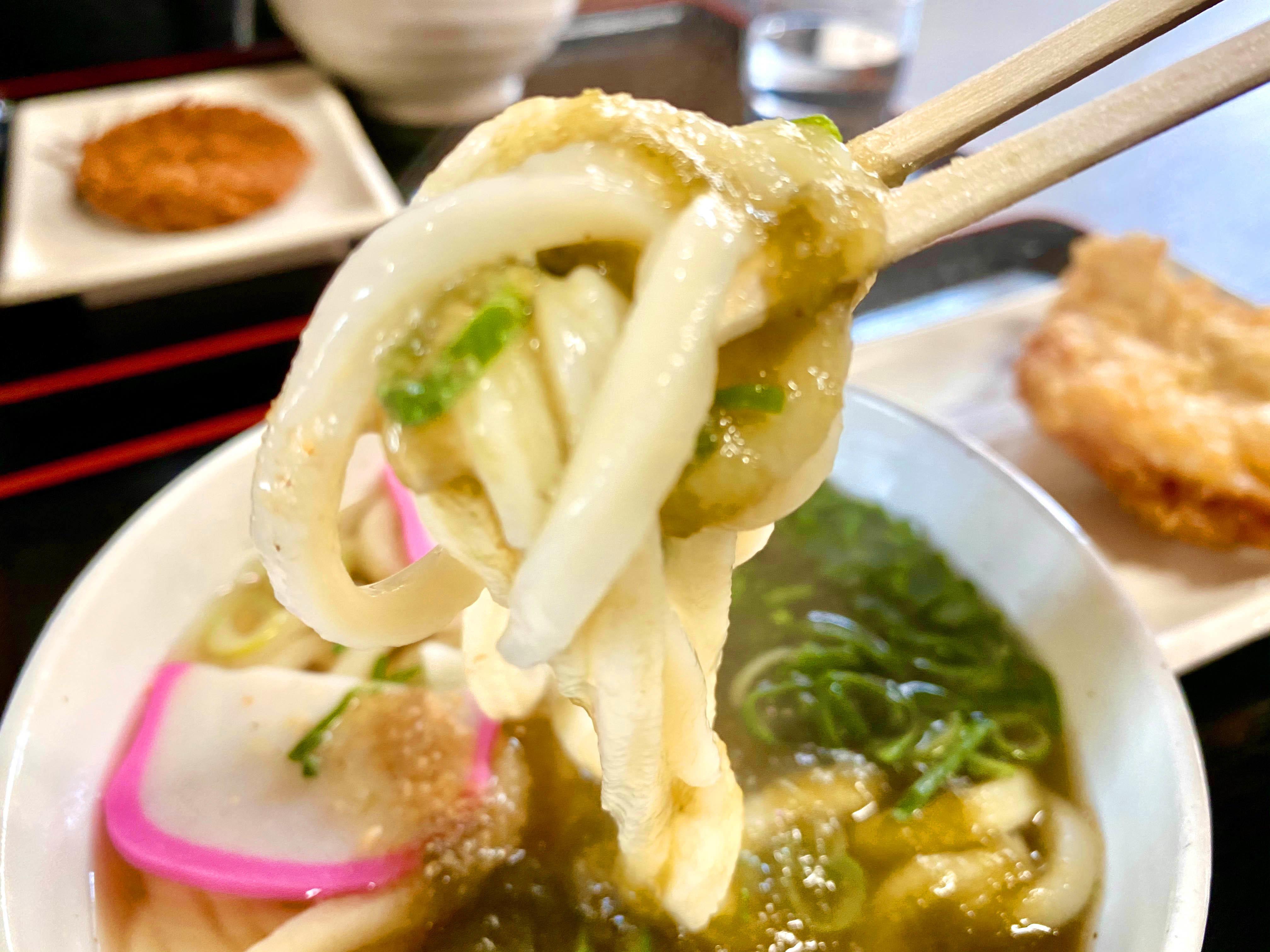 おぼろうどん 小温 320円(麺リフト)
