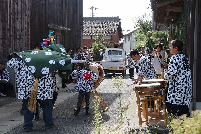 お祭りの太鼓と獅子舞 1 10 13