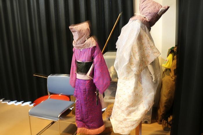 舞台袖に人形の準備 1 11 22