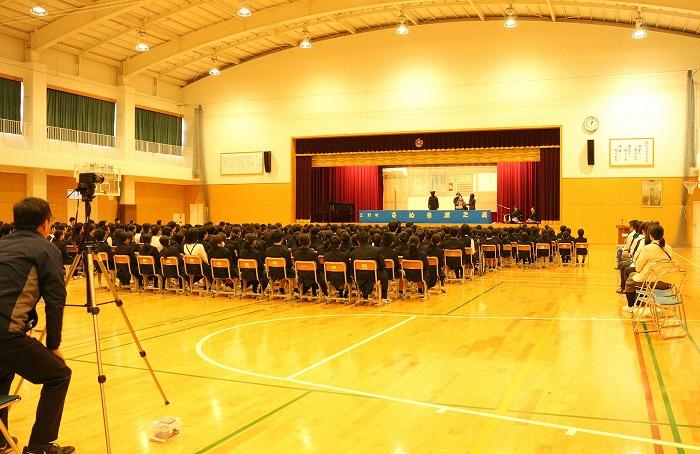観音寺小全校生とサポート隊 1 11 28