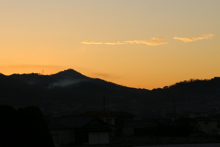 朝陽の出る少し前です 2 1 6
