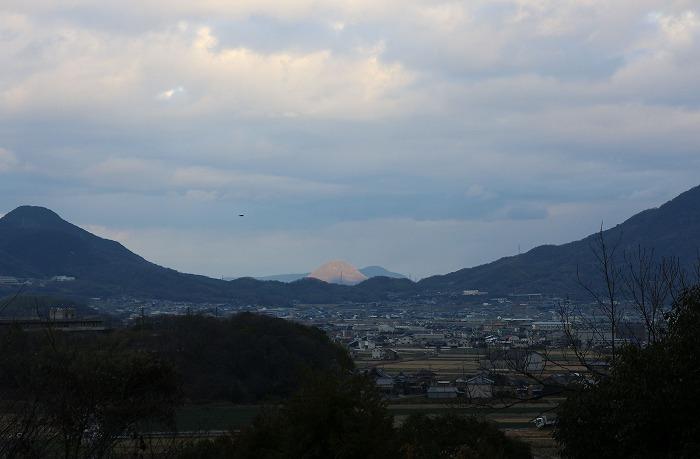 仁尾からの帰り道で白い山見付け 2 1 15