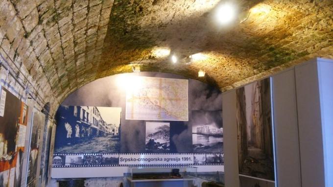7日ドブロヴニクスルジ山 戦争博物館4_resized