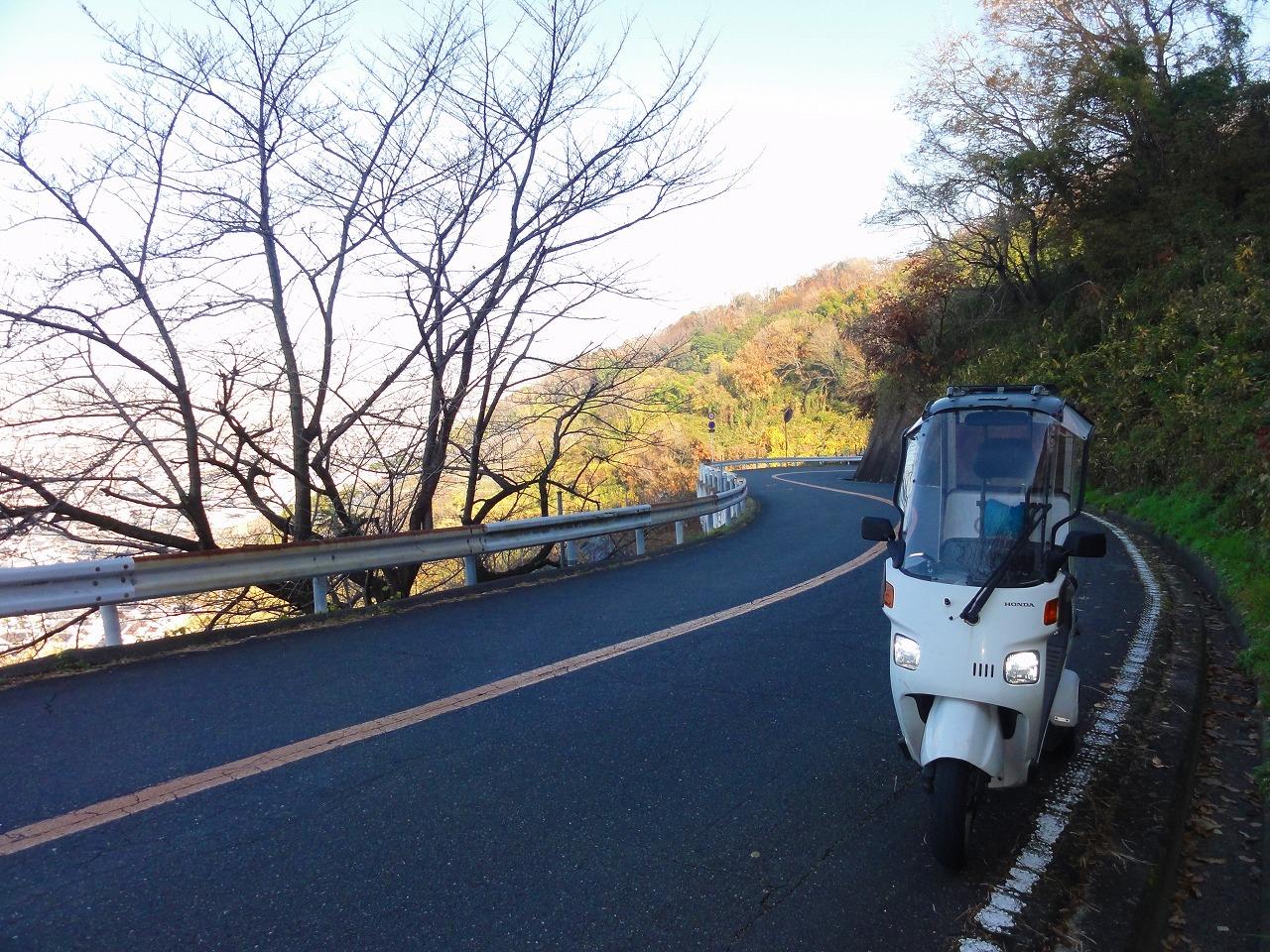 ジャイロキャノピーで信貴山行った。(二輪車通行禁止箇所)