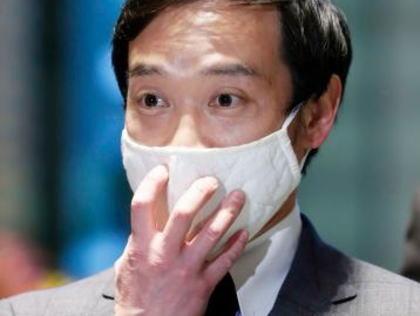 共同通信「泉大津市長、安倍首相が揶揄したマスクを官邸でPR」「安倍首相がこの布マスクを2枚3300円で販売していた朝日新聞を揶揄する発言をし、波紋を呼んでいた」