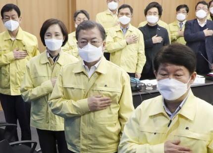 韓国メディア「日本はなぜ世界標準として認められている新型コロナ対策について、韓国からの支援を受けないのか … 日本の朝日新聞が批判」