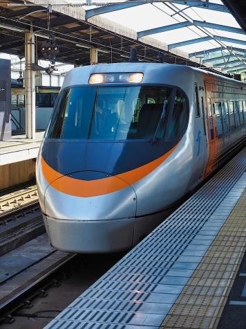 JR四国 8000系 電車 特急しおかぜ【児島駅】