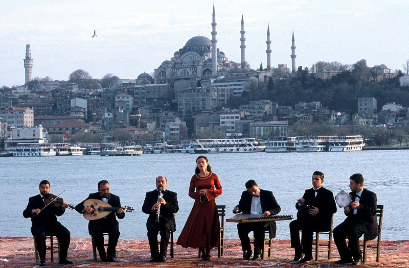 fatih-akin-filmleri-crossing-the-bridge-sound-of-istanbul 2