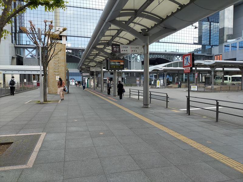 駅バスターミナル