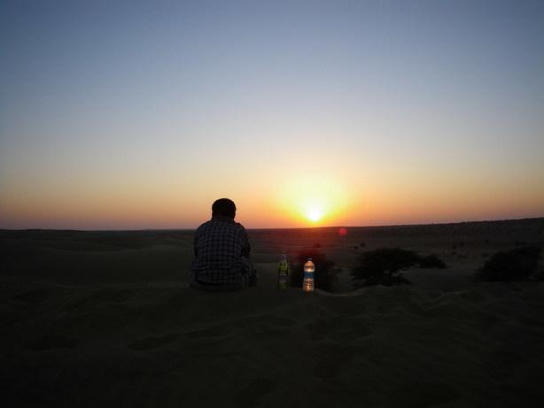 砂丘の夕日4_サイズ変更