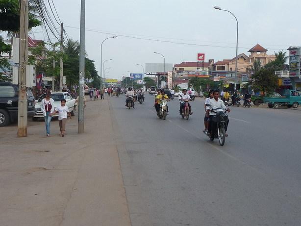 宿の前の道路1_サイズ変更