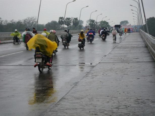 雨のフースアン橋_サイズ変更