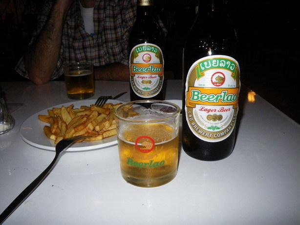 Beer lao メコンホテルのレストランにて_サイズ変更