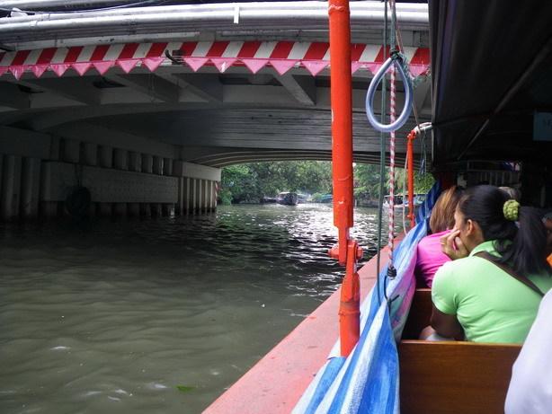 運河のボート2_サイズ変更