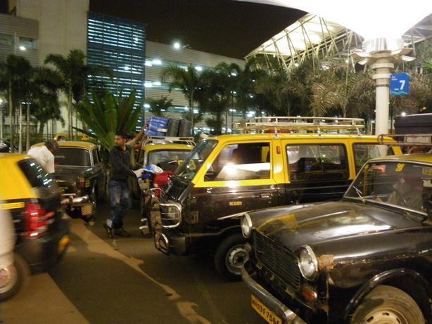 ムンバイ空港1_サイズ変更