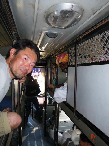 バスの車内2_サイズ変更