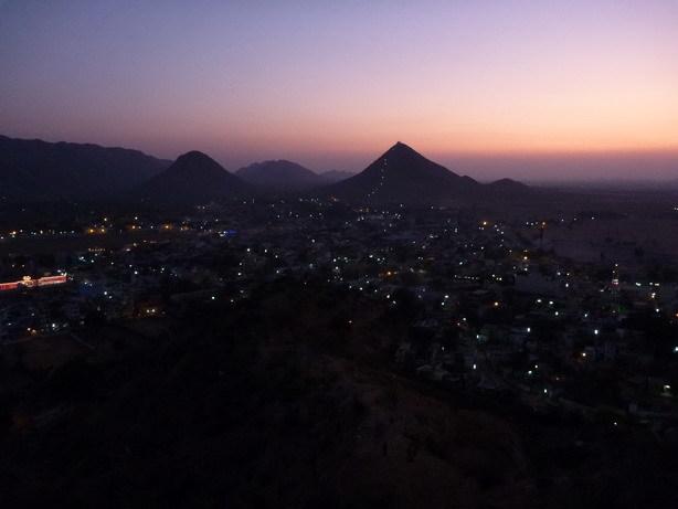 日没後のプシュカル1_サイズ変更