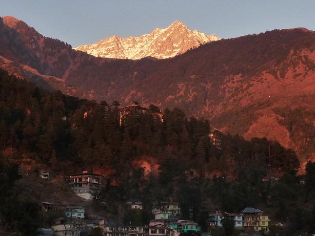 夕日に映える山 宿のバルコニーから_サイズ変更