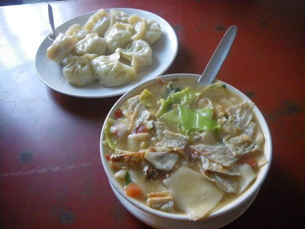 近所のチベタン・レストランの夕飯_サイズ変更