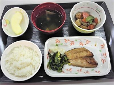 入院夕食1110