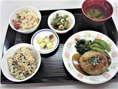 入院昼食1114