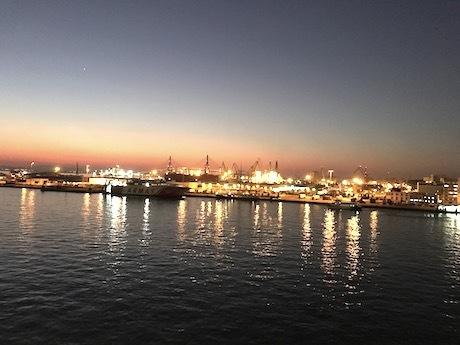 スペイン中東317カディス入港