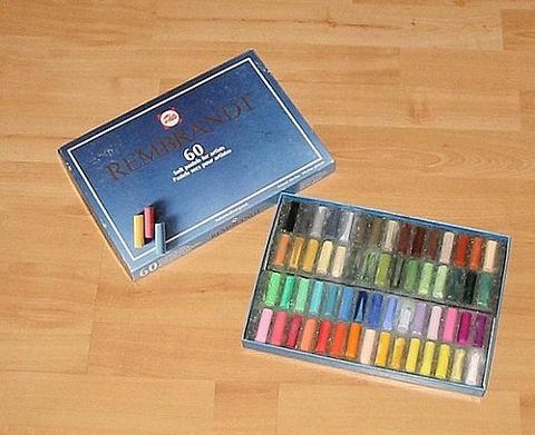 500px-Pastelkrijt (480x391)