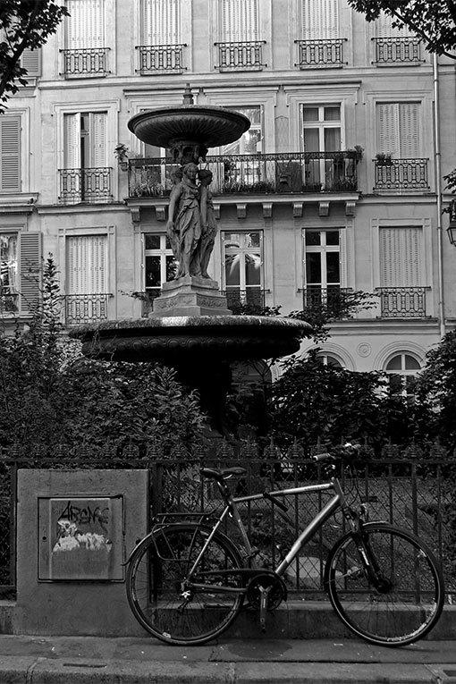 シテ・ドゥ・トレヴィーズ 自転車のある風景