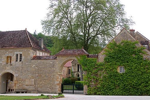フォントネー修道院の建物