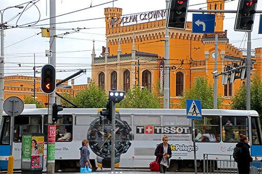 ヴロツワフ・グウヴニ駅とトラム