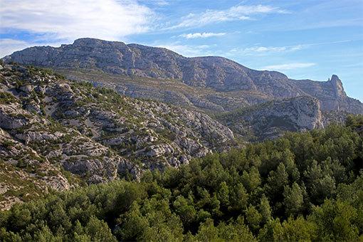 モルジウカランクへの道 折り重なる山々
