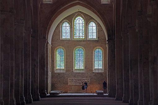 フォントネー修道院教会内