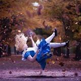 アリス CorneliaGillmann_Falling Down the Hole Alice in wonderland