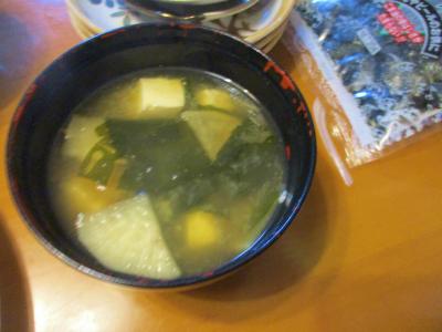 200510大根・わかめ・豆腐の味噌汁