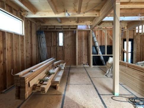 一本杉町の家 建方開始