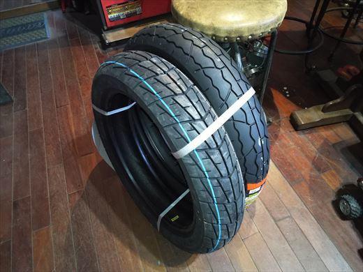 バイクのタイヤ (1)