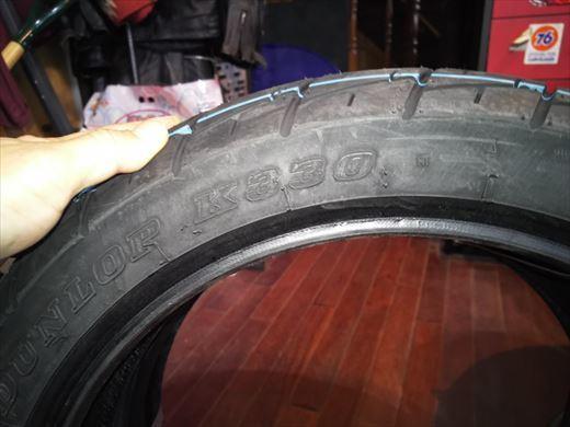 バイクのタイヤ (3)
