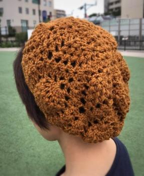 写真 パイナップル編み帽子 縦