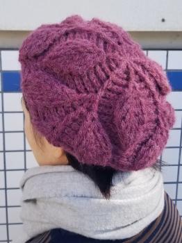 リーフ柄の引き上げ編みベレー帽2