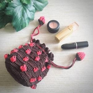 イチゴ編みのポーチ1